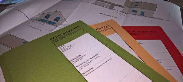Bauplanmappen rot orange und grün